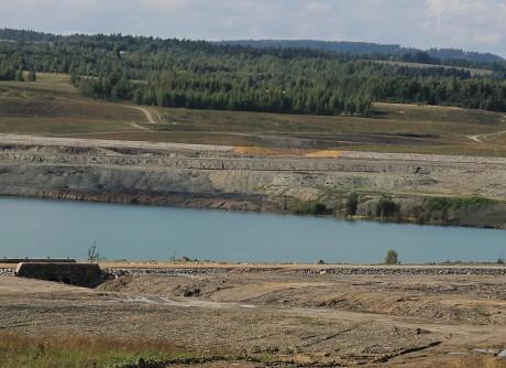 Jezero Medard u Sokolova (září 2011).